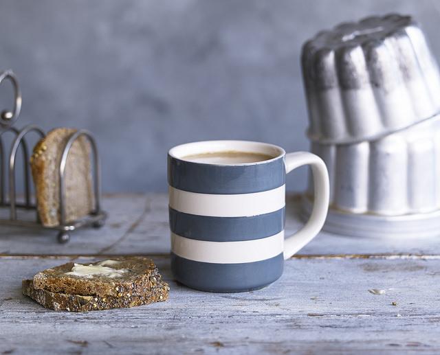 Vintage style striped mug
