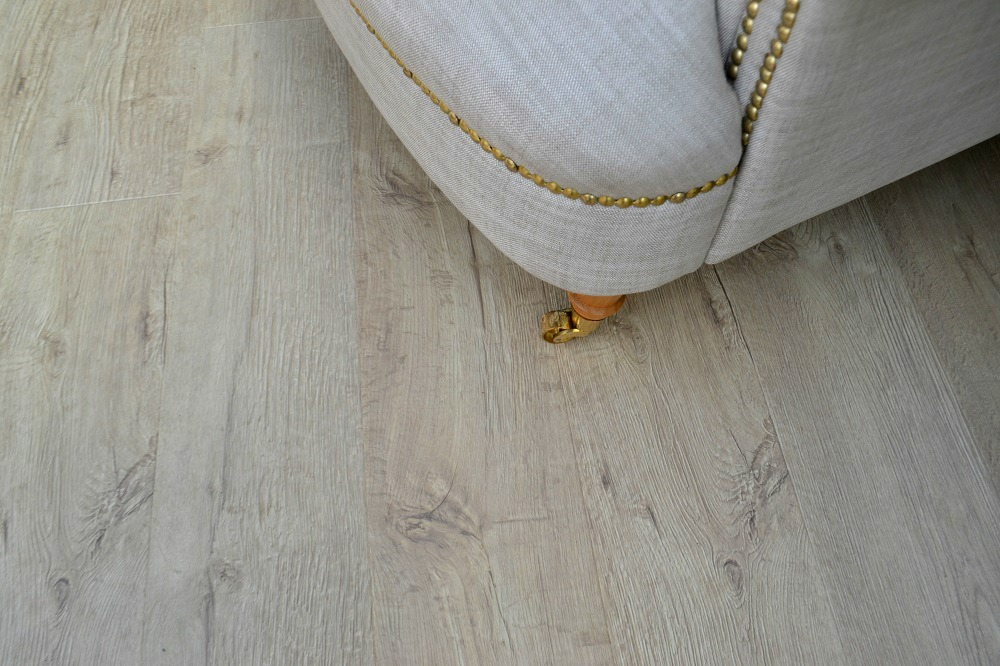 Realistic wood laminate flooring