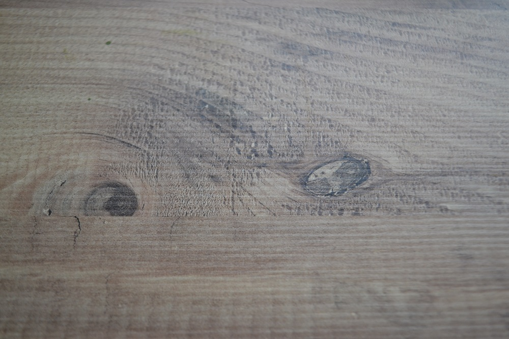 Realistic wood laminate