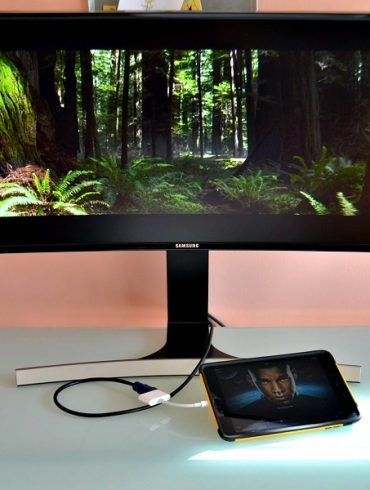 curved monitor for movies