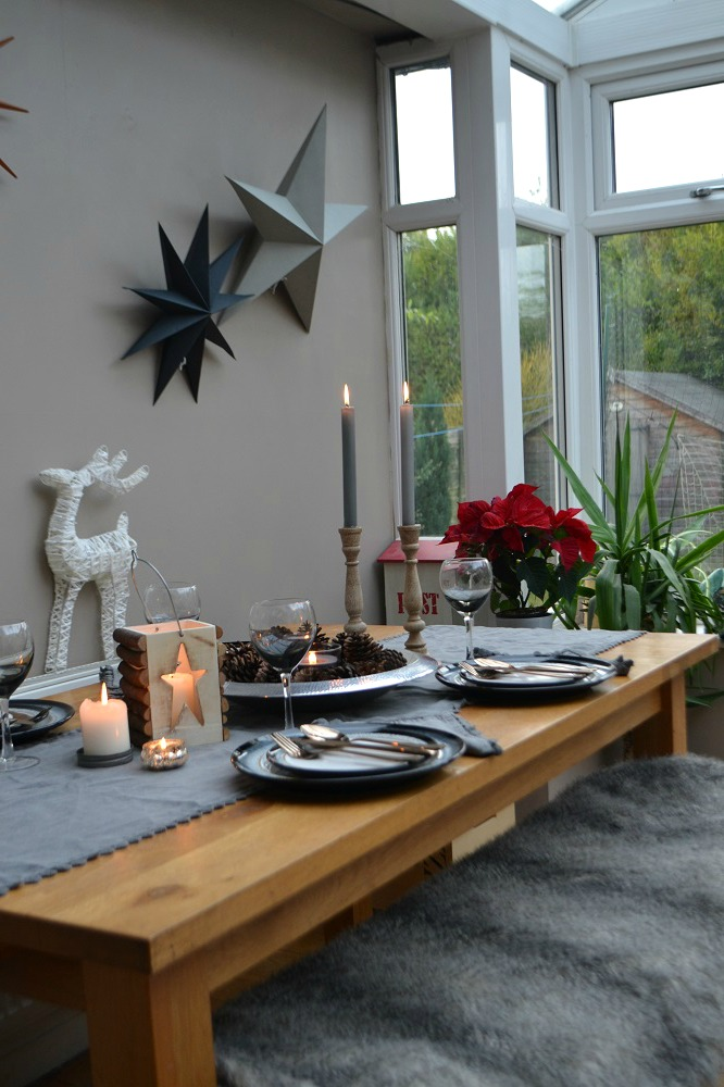 Neutral Christmas table