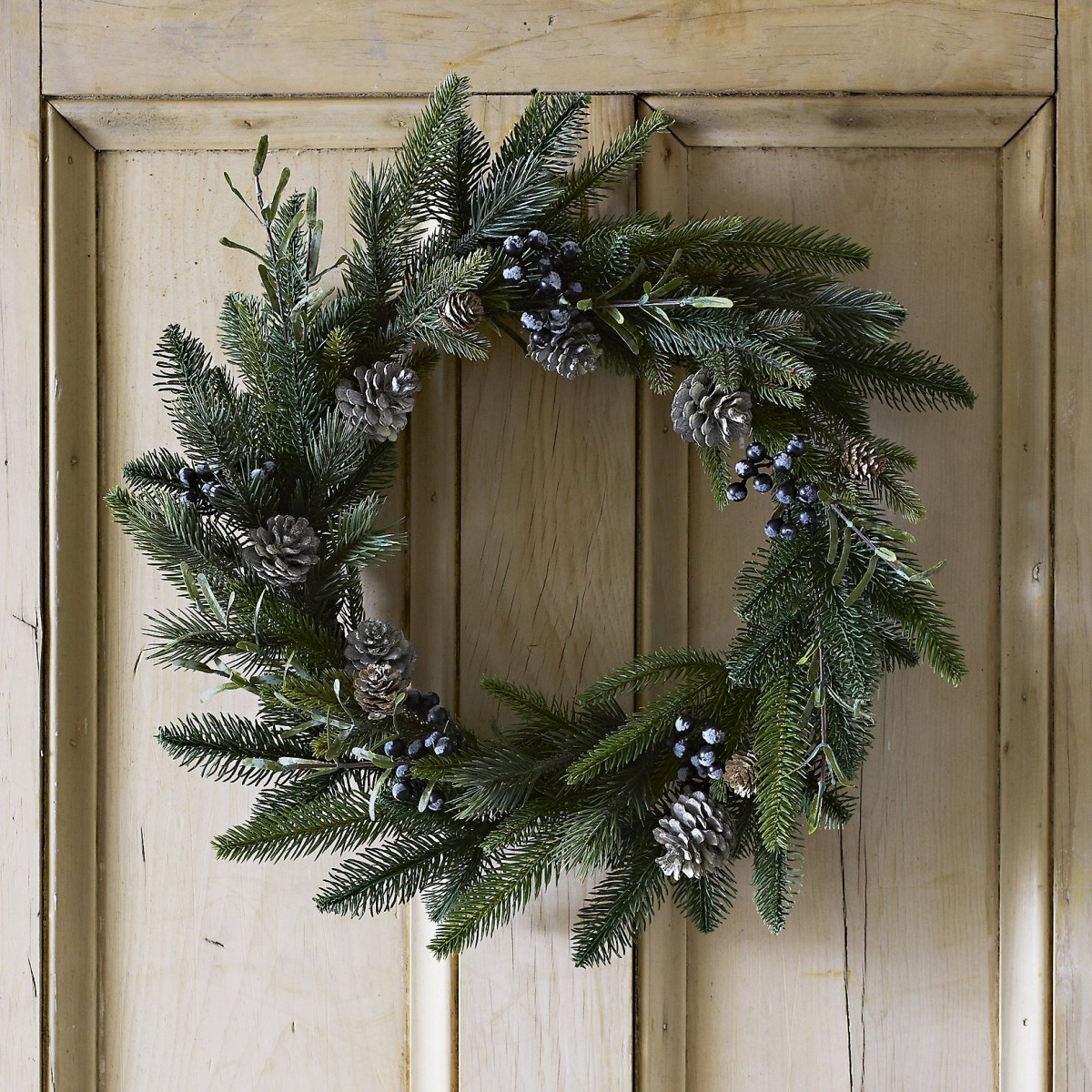 Fantastic wreaths and where to find them tidylife Designer christmas wreaths uk