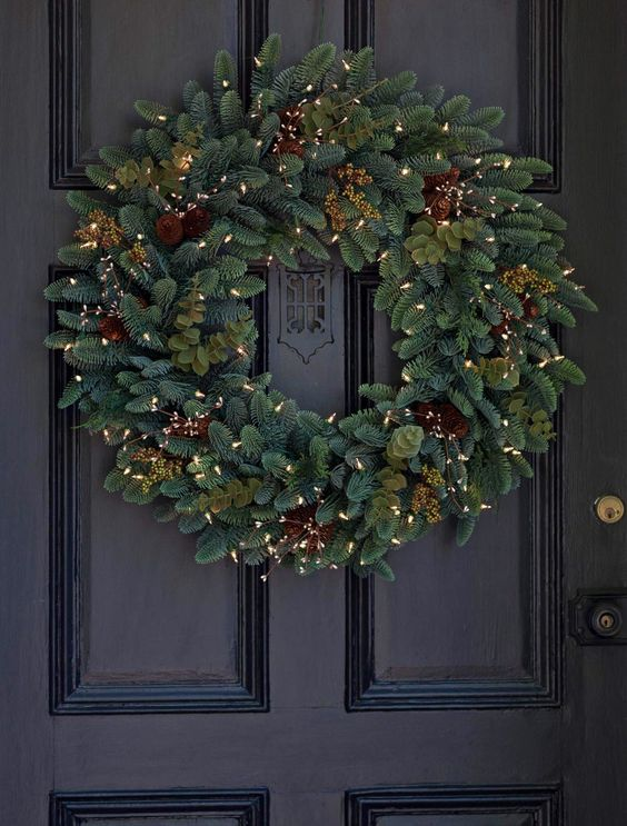 Realistic wreath