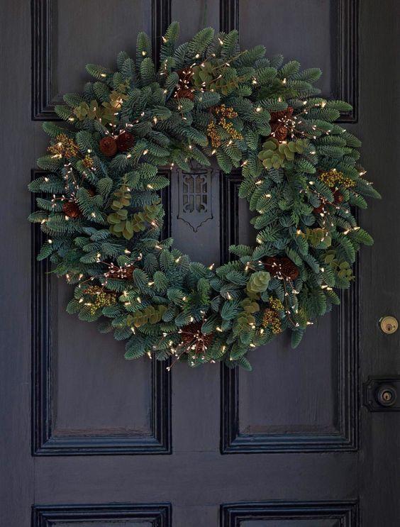 Realistic wreath
