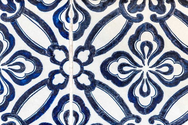 Patterned blue tile