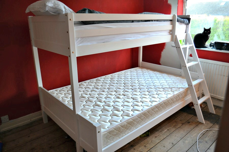 triple bunk bed white wooden