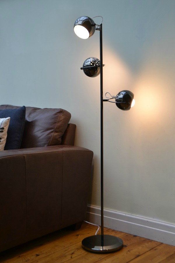 Retro 3 way eyeball floor lamp from iconic lights tidylife for Giant retro floor lamp the range