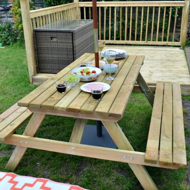 Picnic bench from Wayfair