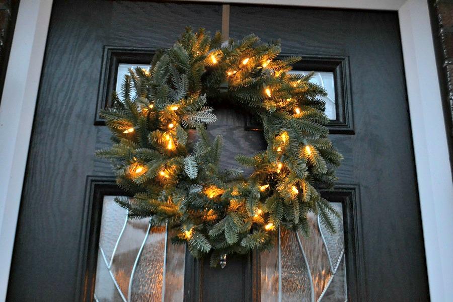 Balsam_Hill_door_wreath
