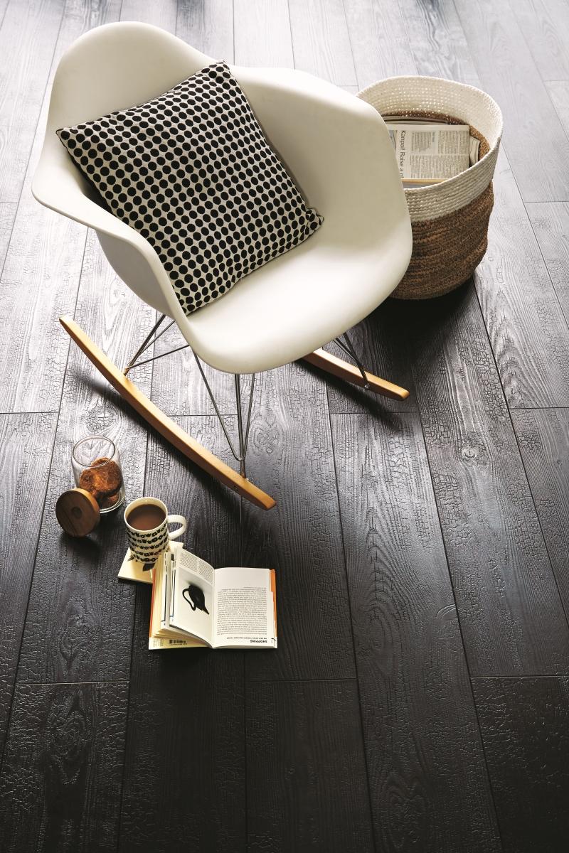 Dark_laminate_flooring