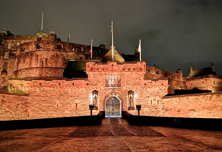 Edinburgh castle tour