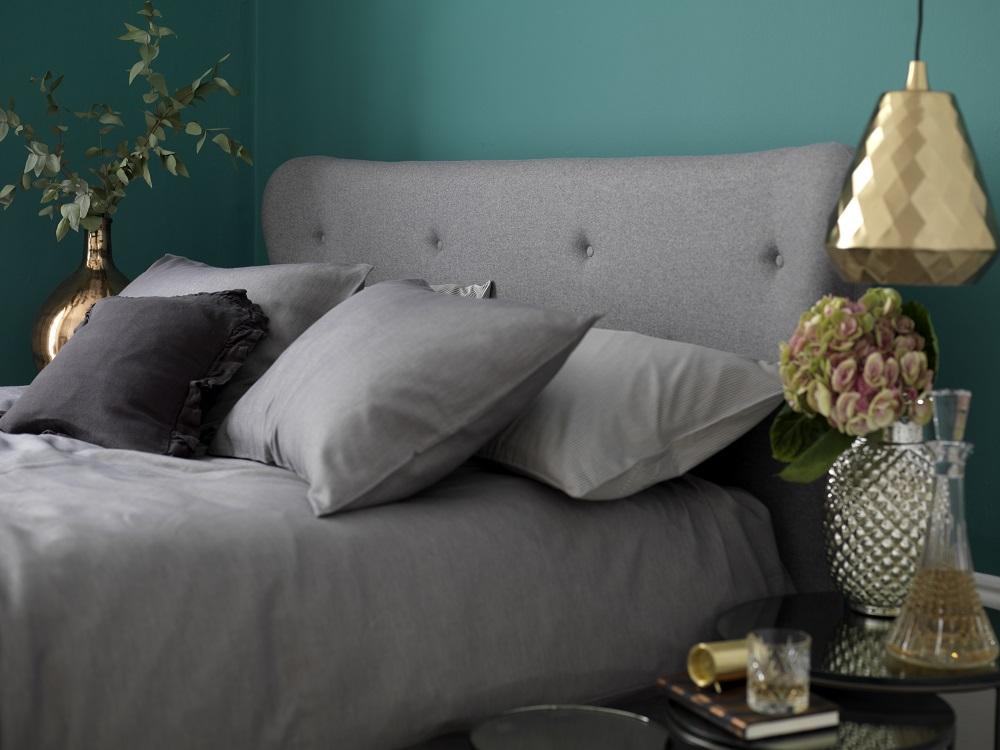 Luxury Beds, Button & Sprung