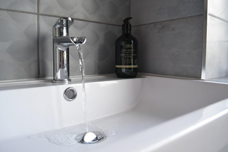 Cheap waterfall tap Manchester
