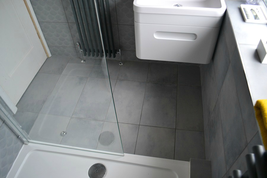 Stylish compact bathroom