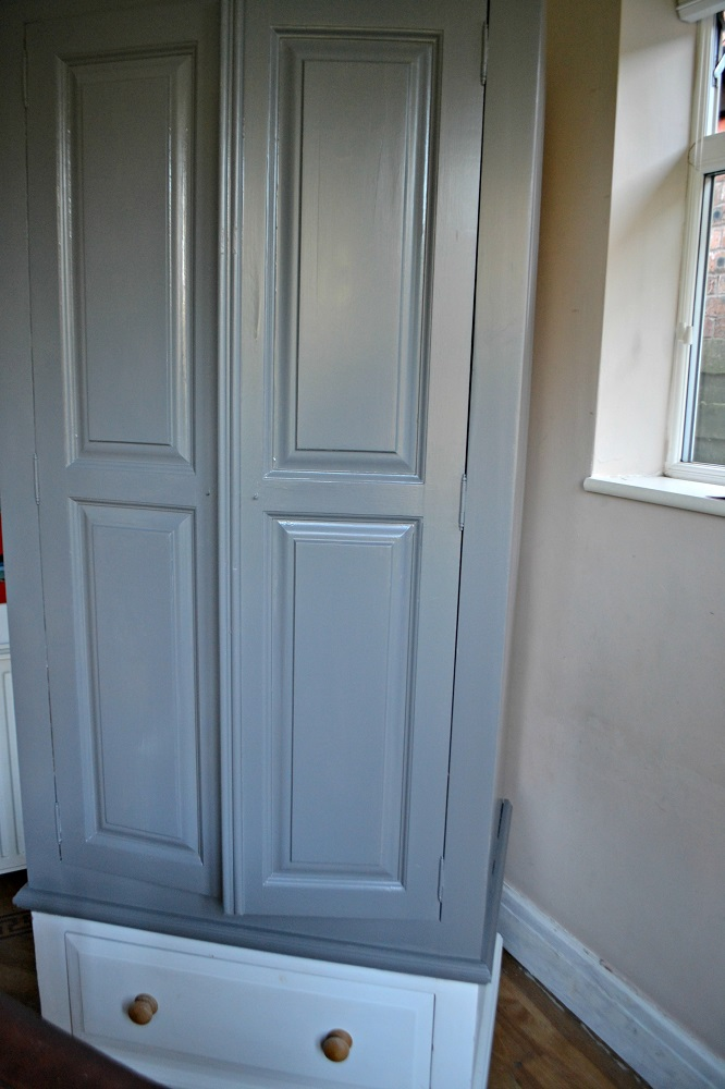 painting a wardrobe