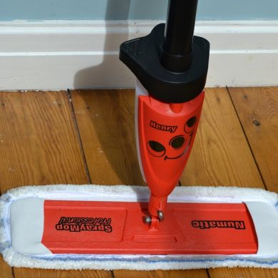Micro fibre floor cleaning system
