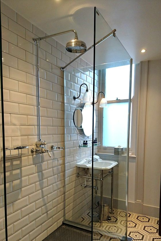 Vintage showerroom