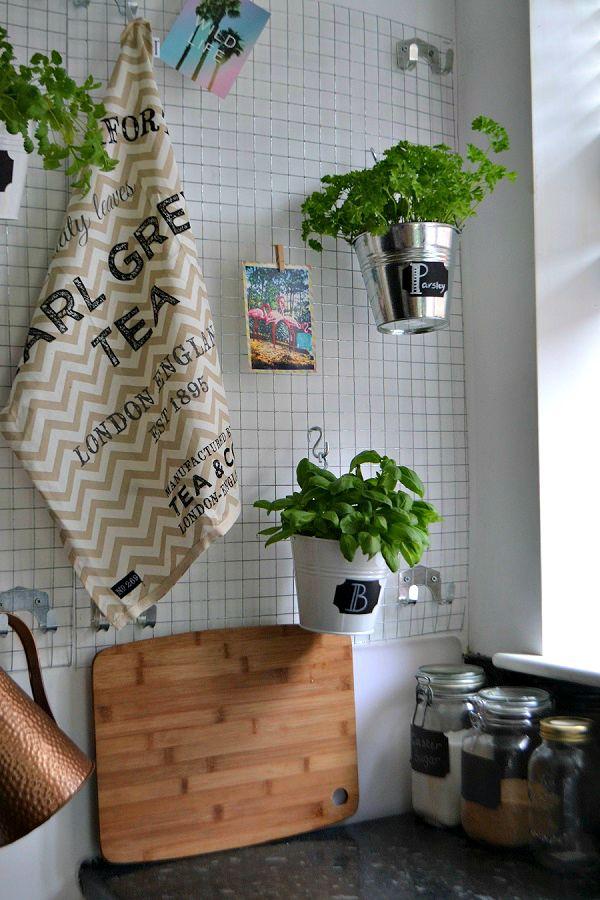 Kitchen wall 2