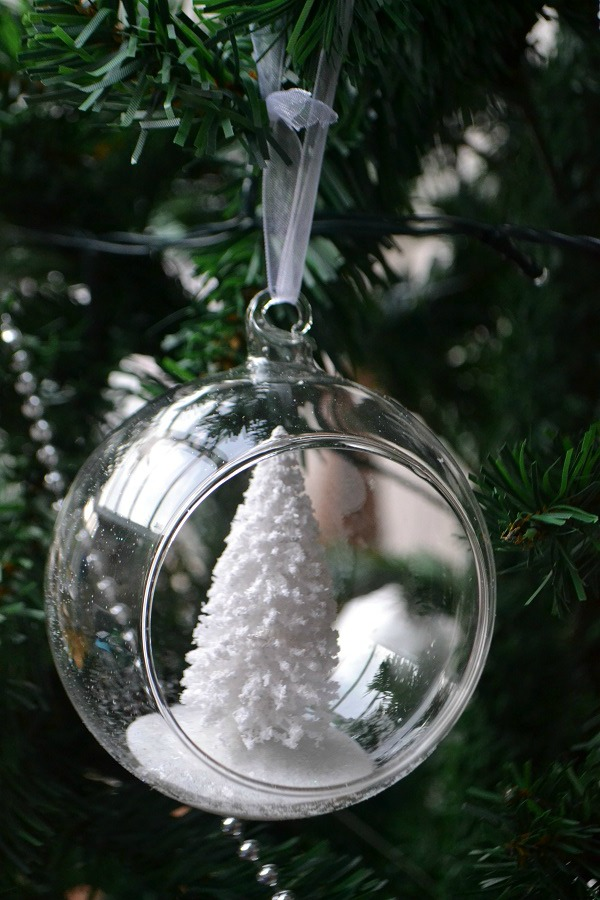 Xmas tree bauble