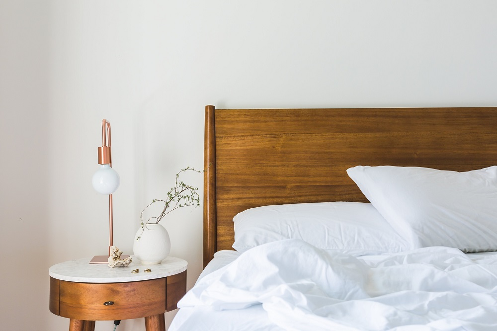 Bedding and Bedspread Tips for a Small Bedroom