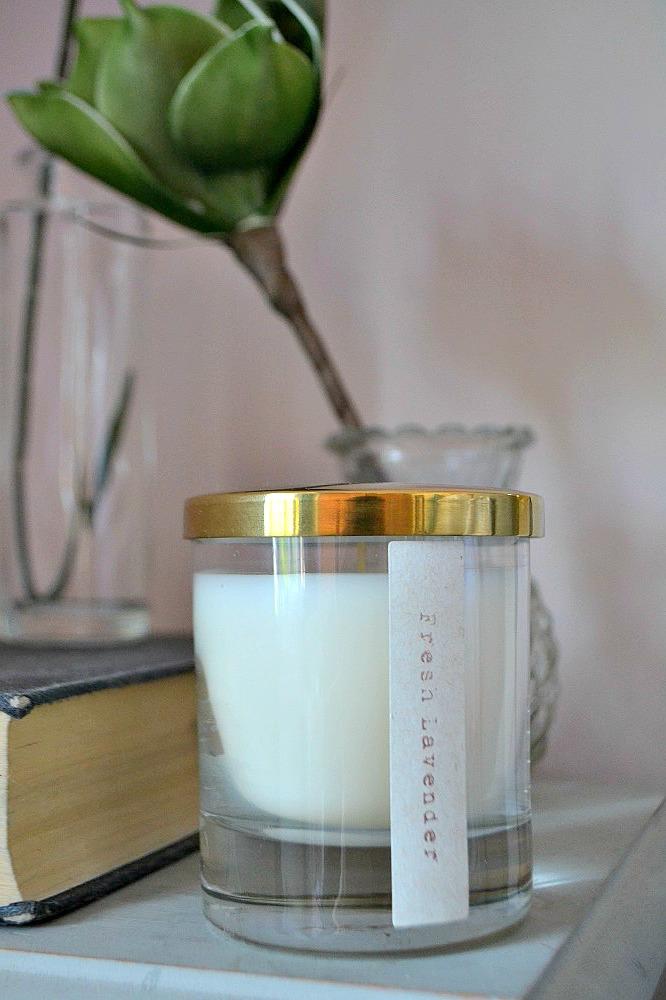 Lidded candle lavender