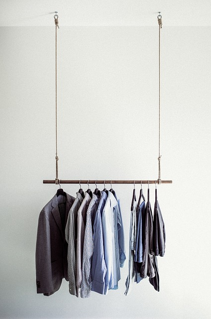 clothes-rail-918859_640