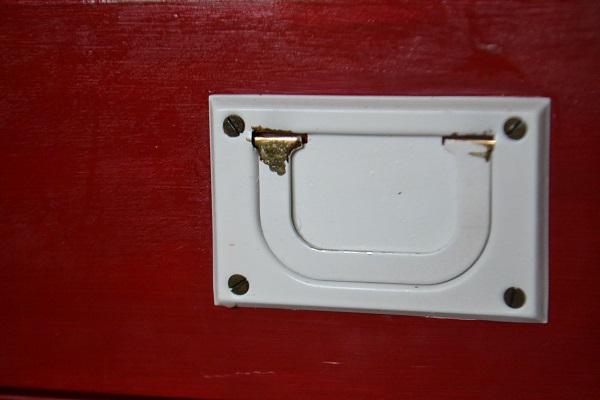 Desk drawer handle