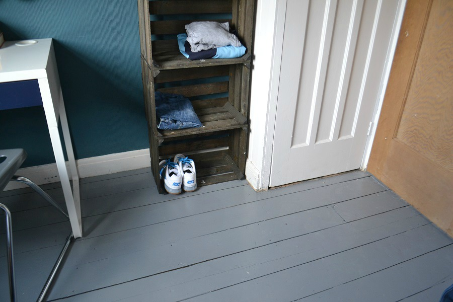 Painted Floorboards Using Ronseal Diamond Hard Floor Paint Tidy
