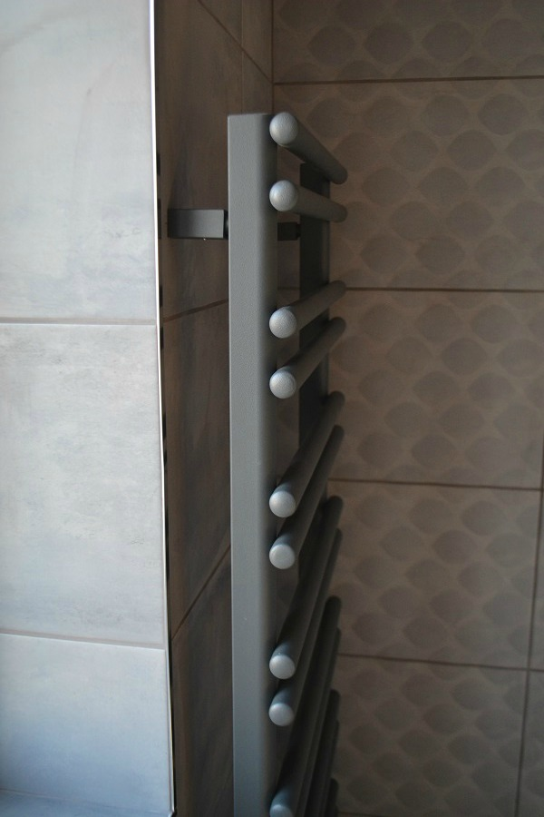 Bathroom Takeaway towel rail