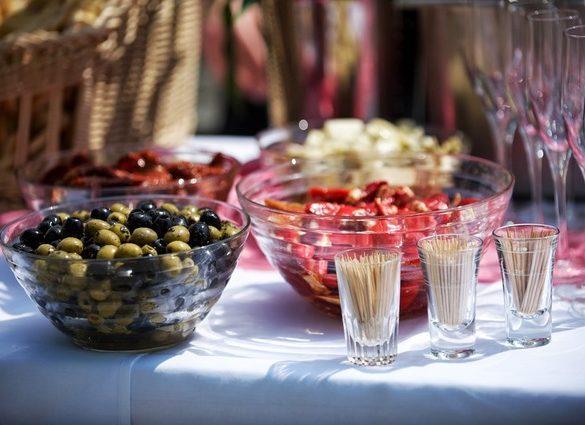 Entertaining summer kitchen