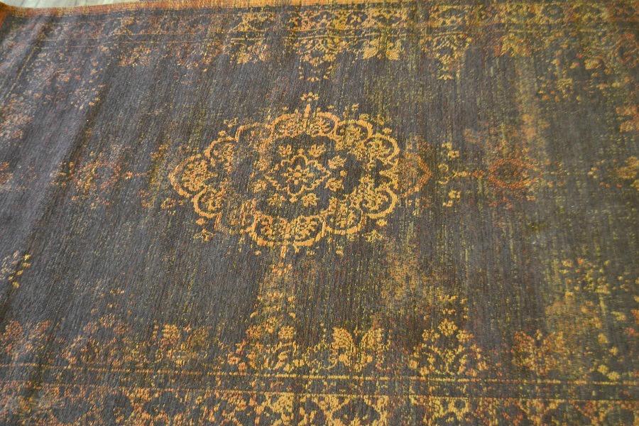 Fading world rug