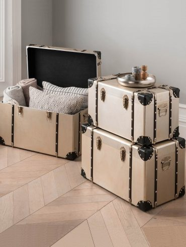antique storage trunks