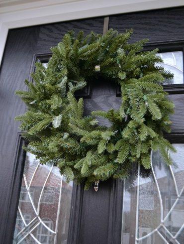Christmas_wreath_artificial