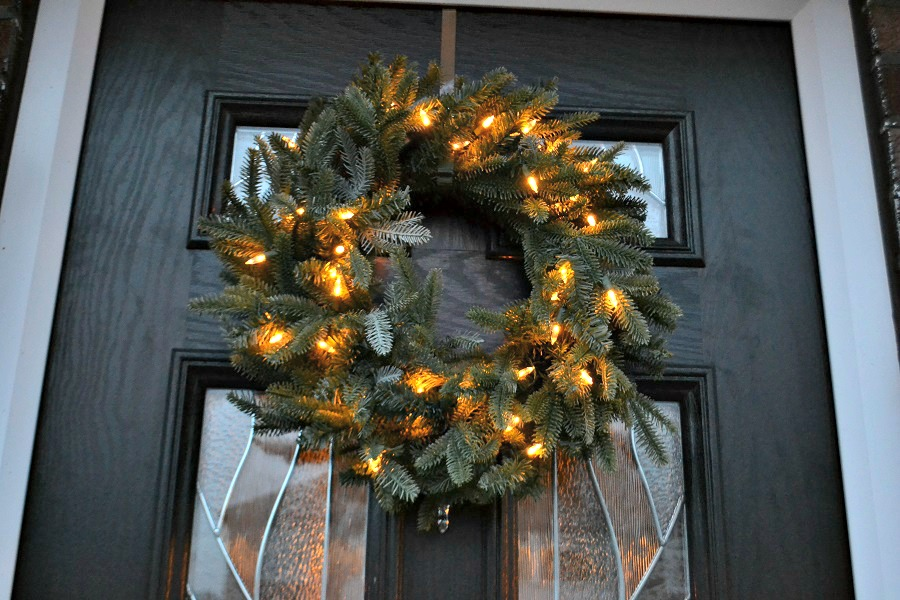 Balsam_Hill_door_wreath